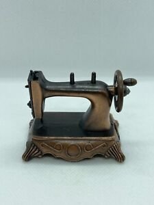 [AUSgiftSHOP] Antique finished pencil sharpener / Sewing machine