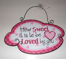 PINK & BLACK WOOD HOW SWEET IT IS TO BE LOVED BY YOU HEART SIGN DECORATION