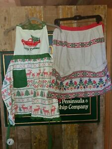 Vintage apron with pockets/ lot of 2