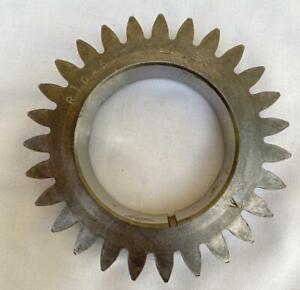 John Deere Crankshaft Gear NOS R104587