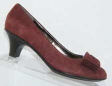 Sofft burgundy suede ruffled round toe slip on pump thick casual heels 7N 6485