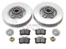 PEUGEOT 308 REAR 2 BRAKE DISCS AND PADS SET + FITTED WHEEL BEARINGS & ABS RINGS