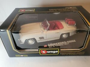 1957 BURAGO #3043 MERCEDS-BENZ 300 SL TOURING 1:18 WHITE