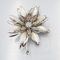 Vintage Retro Silver Tone Flower & Rhinestone Fashion Floral Fashion Brooch Pin