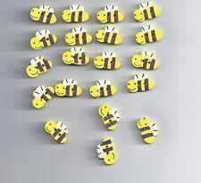 10 pcs Cute little bee cartoon wood buttons (138)