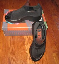 New INSPIRED SOLES Slides Clogs 6M Stretch Top Comfort Walking Shoes BLACK