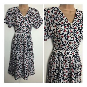 Vintage 80's Pretty White Blue & Red Floral Short Sleeve Belted Pleated Dress 8