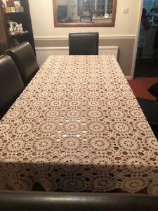 BRAND NEW BEAUTIFUL VINTAGE  COTTON HANDMADE CROCHET TABLE CLOTH