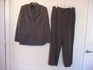 Kasper lined gray polyester pant suit size 12