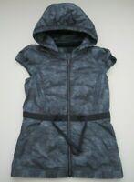 Womens size 4 Lululemon Spring Fling Lightweight Goose Down blue hoodie vest