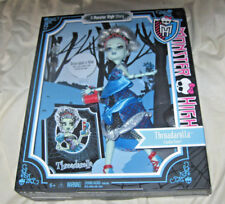 Monster High Scary Tale Threadarella Frankie Stein Doll MIB BRAND NEW