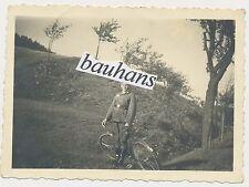 Foto Wehrmacht  Soldat mit Fahrrad  2.WK  (33)