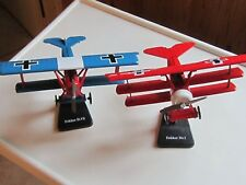 Lot de 2 maquettes avions Fokker D.VIII et DR 1 construites et sur pieds