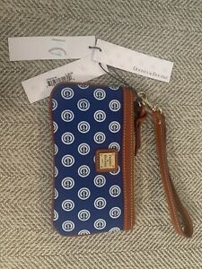 dooney and bourke Chicago Cubs Wristlet NWT Retail $98