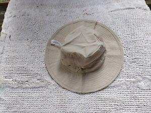 Youth Bucket Hat. Kaki.