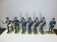 Konvolut 7 alte Elastolin Kunststoff Soldaten zu 7.5cm Schweden mit Offizier