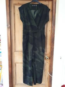 Principles Ben de Lisi jumpsuit green size 16 camouflage