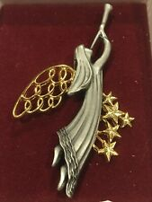 With Trumpet Brooch Modernist Usa B008 Vintage Silver & Gold Two Tone Angel