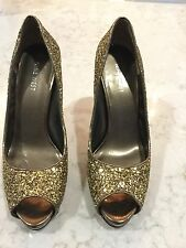 Nine West Gold Glitter high-heel Platform Pump size 9
