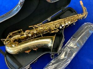 Pre-Owned BUESCHER ELKHART Alto Saxophone #56138 - Repadded PERFECT - Ships FREE