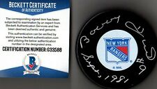 BECKETT-BAS BOBBY HULL #9 SEPT, 1981 AUTOGRAPHED-SIGNED NEW YORK RANGERS PUCK 88