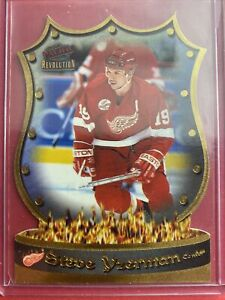 1997-98 Pacific Revolution NHL Icons #5 Steve Yzerman Detroit Red Wings DieCut