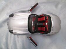 Burago 1/18 Scale Diecast 33772 BMW Z8 Silver Roadster Model Car