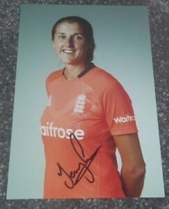 England Womens Cricket Jenny Gunn Hand Signed 6x4 photo