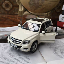 New 1/18 GTautos Mercedes Benz GLK 300 SUV 4matic Car model white by Welly 11008