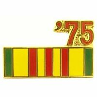 1975 VIETNAM SERVICE RIBBON LAPEL OR HAT PIN