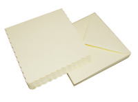 """25 IVORY SCALLOPED 7"""" x 7"""" BLANK CARDS 270gsm & ENVELOPES CARD MAKING CRAFT 1077"""