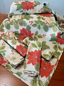 Beautiful Cream Christmas Tablecloth & 8 Napkins