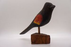 William Kirkpatrick marked WEK Hand carved Bird Decoy Red Winged Blackbird-rare