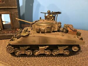 1/32 Sherman Tank M4 WW II with Added Accessories 21st Century Toys