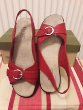 LADIES BOXED BRIGHT  RED WEDGE SHOES MAKE IS HOTTER SIZE 7 1/2