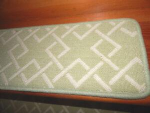 15 Step 9'' x 26''+ 1 Landing 26'' x 32'' Tufted carpet 100% Wool Stair Treads .