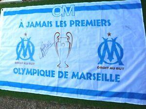Drapeau OLYMPIQUE DE MARSEILLE om signé DESCHAMPS / BASILE BOLI ultras foot 1993