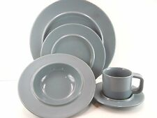 SASAKI ANELLO GRAY 5 Piece Place Setting by Vignelli Designs