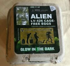 Neca Alien Loot Crate Glow In The Dark LV-426 Cage-Free Eggs 4 Pack