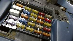 88 Cadillac Fleetwood FWD Interior/Cabin Fuse Box Assembly (Under Dash)