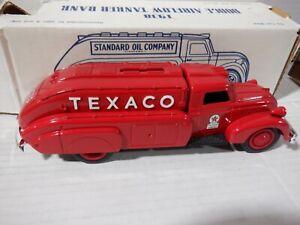 Ertl 1938 Dodge Airflow Tanker Bank Texaco Red 1:30 Scale 052821DMT