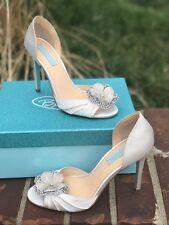 Blue by Betsey Johnson Emma ivory satin size 8 new in box bridal