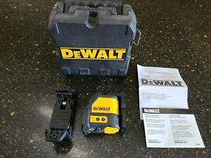Dewalt DW088 165 ft. Red Self-Leveling Cross-Line Laser Level In Case