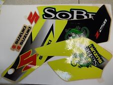BOX20 99950-19422 SUZUKI LTZ 250 GRAPHIC KIT SOBE YELLOW/WHITE/BLACK NOS