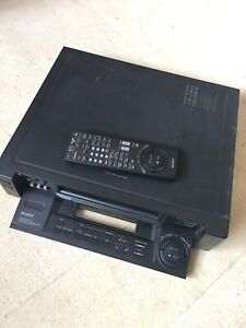 Sony SLV-E90 VHS player/recorder with remote