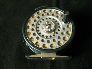 Vintage Daiwa 700 Fly Reel. click and pawl. Made in Japan Good condition.