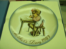 Hummel Mother's Day Plate 1987-Mother's Little Learner With Box