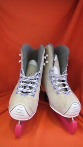 Ice Skates Size 5, Hardly worn