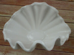One Porcelain Bowl IN Shell Shape IN White