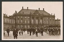 Kopenhagen  Vagtparaden paa Amalienborg  Krijgsgevangenenpost 1e wereldoorlog
